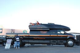 SEMA Show 2009 - Dunkel Industries Luxury 4x4 : le plus gros pick-up du monde ?