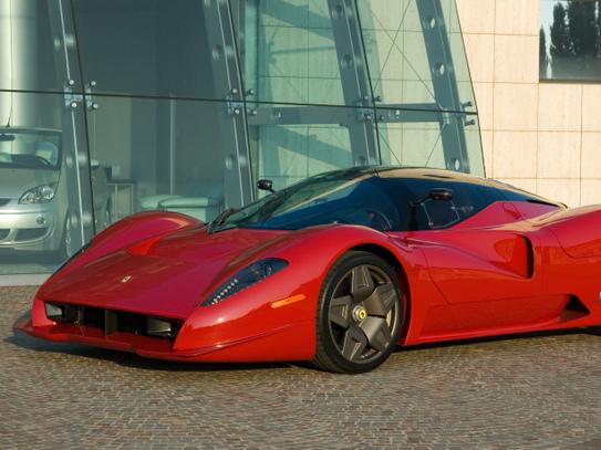 (Minuit chicanes) La Ferrari P4/5 Competizione (nettement) moins réussie que la P4/5