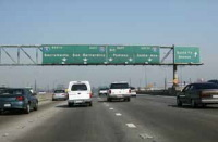 Etats-Unis : 40 tonnes d'intestins et d'os de vache renversés sur l'autoroute