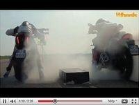 Yamaha VMax vs Ducati Diavel : Elles se défient sur 400 m [vidéo]