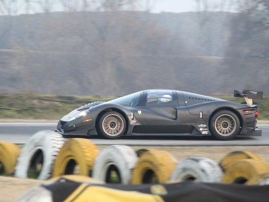 http://images.caradisiac.com/logos/2/0/9/0/152090/S7-Video-La-Ferrari-P4-5-Competizione-roule-65008.jpg