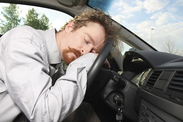 d part en vacances nos astuces pour lutter contre le sommeil au volant. Black Bedroom Furniture Sets. Home Design Ideas