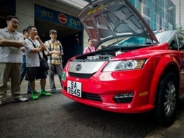 Pour lutter contre la pollution atmosphérique, Hong Kong lance ses premiers taxis électriques