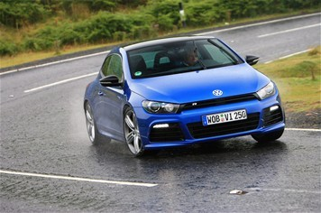 [vidéo] VW Scirocco R vs Ford Focus RS : and the winner is ...