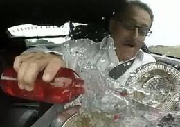 [Vidéo éducative] Est-il possible de préparer un cocktail assis en passager de Michael Schumacher sur circuit ?