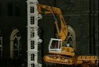 [Vidéo]: Comment faire de l'escalade... avec un engin de chantier !