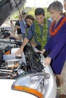 Hawaï jette des fleurs aux voitures électriques !