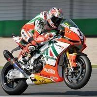 Superbike - Aprilia: Max Biaggi et Leon Camier étaient aussi au Mugello