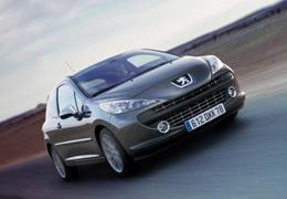 Midi Pile - Ventes de voitures neuves en octobre : la Peugeot 207 devance cinq Renault