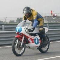 La saison motos classiques 2012 dans les strarting blocks...