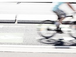 (Minuit chicanes) Faut-il vendre des vélos pour bien vendre des autos?