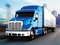 La Californie veut réduire la pollution des camions et des bus Diesel