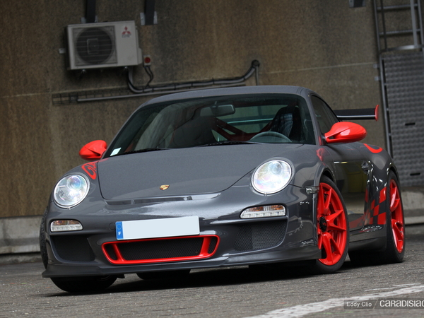 Photos du jour : Porsche 911 997 GT3 RS (emotionautoprestige.com)