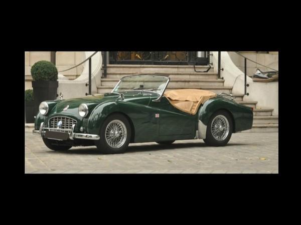 Vidéo- Vente aux enchères Rétromobile 2012  - Une Triumph TR3 Roadster de 1957 à 30 000 €