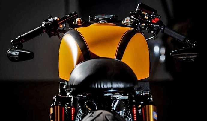 Une Honda CB 750 F2 préparée en version Café Racer
