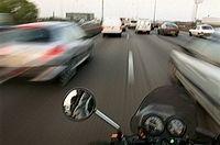 190 km/h avec le bras dans le platre : 1 an de prison pour un motard de 22 ans