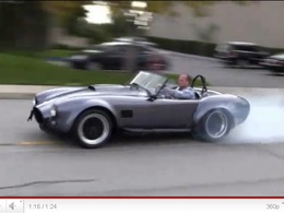 AC Cobra : maintenant disponible avec le V8 5,0l de la Mustang GT 2011