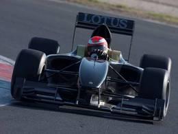 La Lotus Type 125 roule avec Jean Alesi au volant