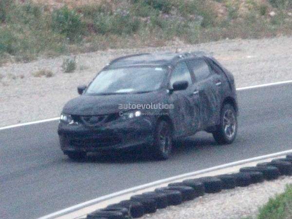 spyshots le nouveau nissan qashqai surpris en europe. Black Bedroom Furniture Sets. Home Design Ideas