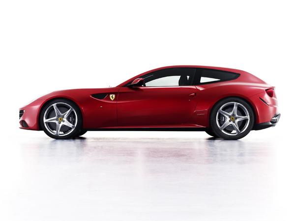 En avance : la nouvelle Ferrari FF à 4 roues motrices