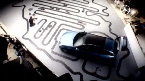 [Vidéo] passe temps de jour férié : monter un circuit dans sa nouvelle Mercedes Classe E Break