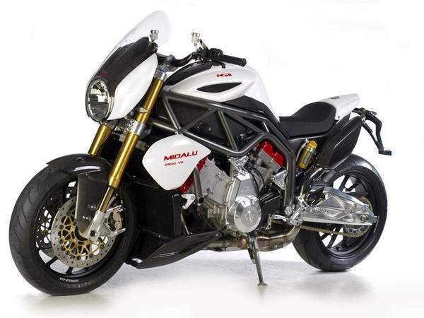 quand un moteur de moto est plus gros qu 39 un moteur d 39 auto la fgr midalu 2500. Black Bedroom Furniture Sets. Home Design Ideas
