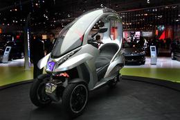 Paris 2008 en direct : Peugeot Hymotion3 Compressor, le concept-scoot