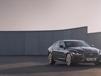 Jaguar dévoile la XF restylée