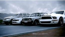 [Vidéo] Pantural : un peu de surréalisme avec une Camaro, une Shelby GT500, un SUV et une VAZ 2107