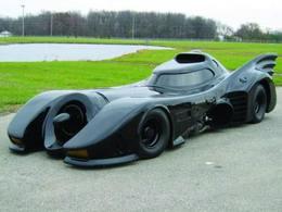 Un américain achète une vraie Batmobile pour 271 000 euros !