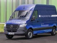Mercedes et Tesla pourraient collaborer sur des vans électriques