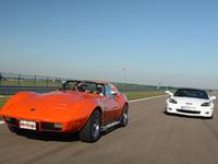 Vidéo - Corvette C3 Stingray 1976 VS Corvette C6 Grand Sport Coupé : l'ancienne plébiscitée