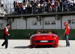 [Vidéo] boulette en Ferrari California : Luca di Montezemolo s'y met aussi !