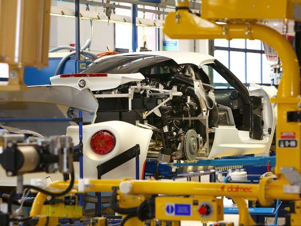 L'Alfa Romeo 4C photographiée sur sa ligne d'assemblage (+ vidéo)