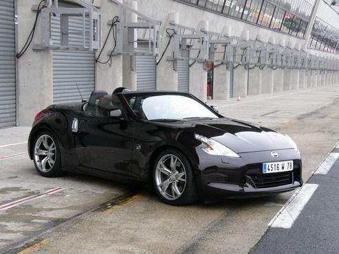 Prise en mains vidéo - Nissan 370Z Roadster : en France avant le printemps