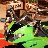 En direct du Salon de la moto 2007 : Kawasaki et son arme nommée ZX-10R