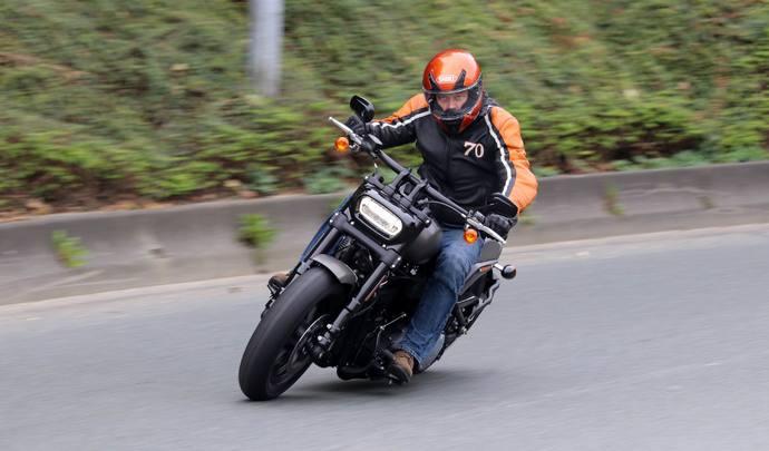 actualit moto scooter equipements et accesoires moto sur. Black Bedroom Furniture Sets. Home Design Ideas