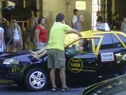 Sauvée par un taxi après une chute de 23 étages