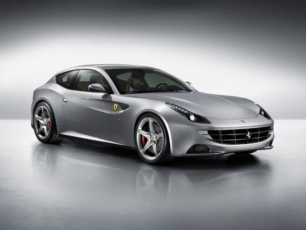 Ferrari FF : de 3/4 avant et en gris, c'est mieux ?