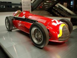 Ce qui vous attend à Rétromobile 2011 - Deux voitures d'exception pilotées par Fangio chez Alfa Romeo!