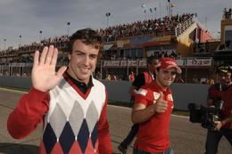 Ferrari Finali Mondiali à Valence : le retour de Massa dans la F60, l'adoubement d'Alonso en photos