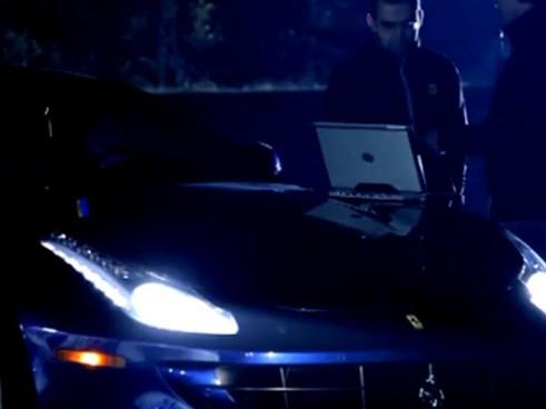 [Vidéo] Pour l'instant, la Ferrari FF ne se montre que la nuit