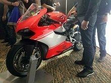 """Actualité moto - Ducati: La 1199 Panigale """"Superleggera"""" en tenue de soirée"""