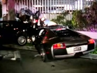 Strike avec une Murcielago: 5 voitures défoncées !