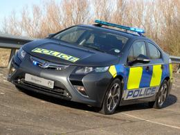 Opel montre à Scotland Yard ce à quoi une Ampera de police pourrait ressembler