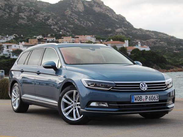 essai vid o volkswagen passat 8 sw tr s pro. Black Bedroom Furniture Sets. Home Design Ideas