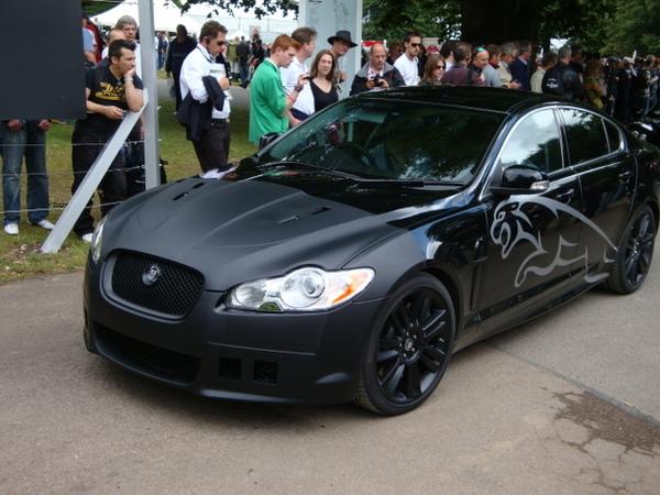 Jaguar montre sa XF-R à Goodwood