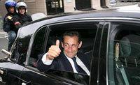 Sarkozy craque pour une Vel Satis