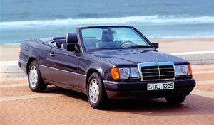 Mercedes célèbre les 25 ans de la Classe E Cabriolet