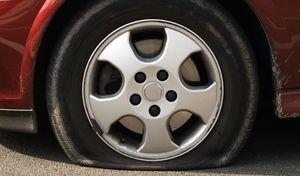Suède : il meurt en crevant des pneus